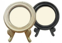 Round photo frame with stand